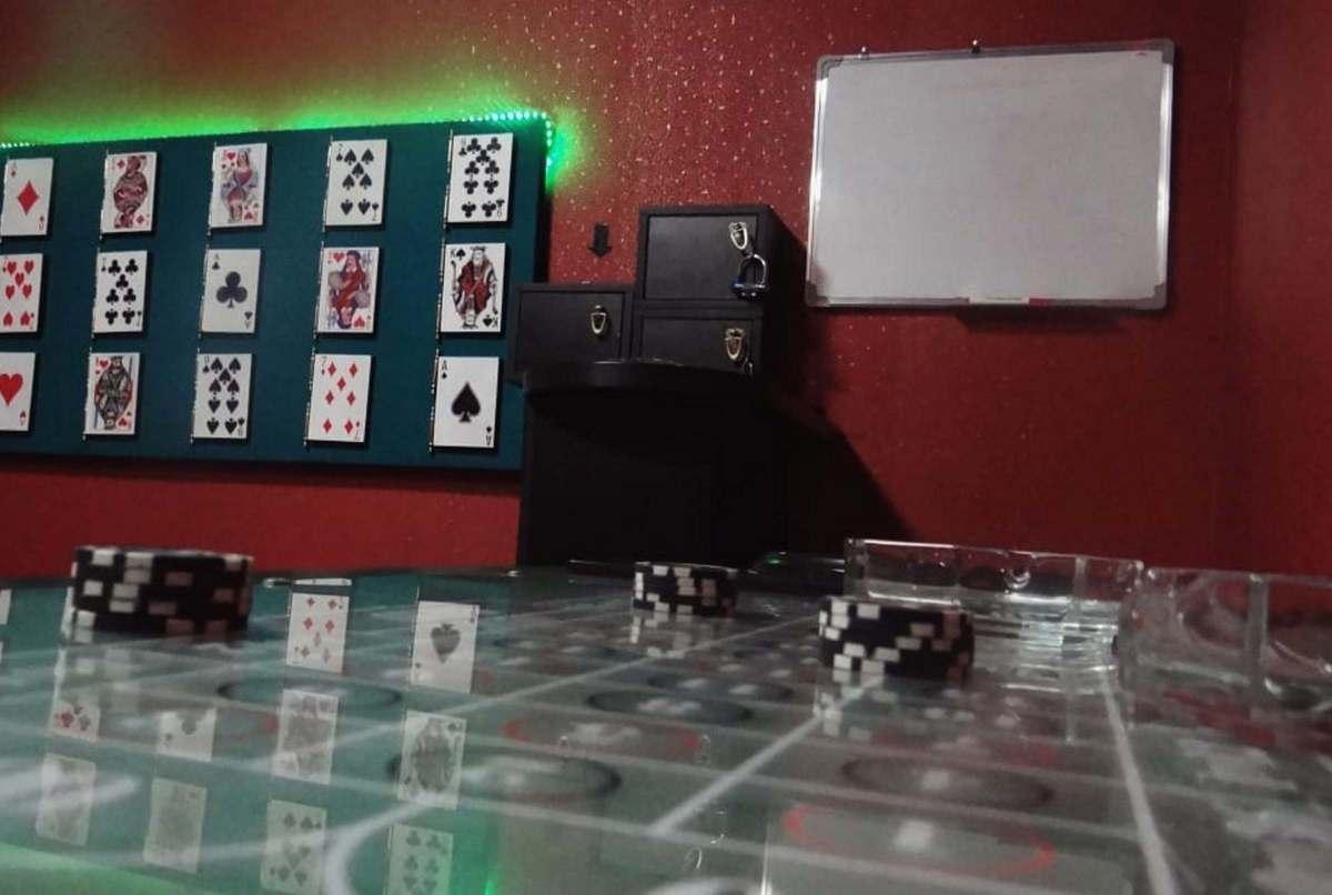 Мы играем с реальность в карты чит на крмп казино